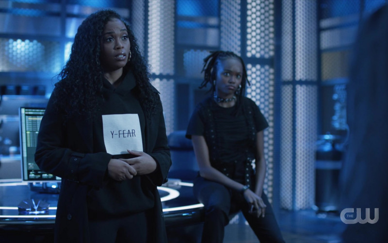 Y-Fear Women's Hoodie in Black Lightning S04E10 – TV Show Outfits (1)