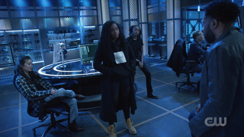 Y-Fear Women's Hoodie in Black Lightning S04E10 – TV Show Outfits (2)