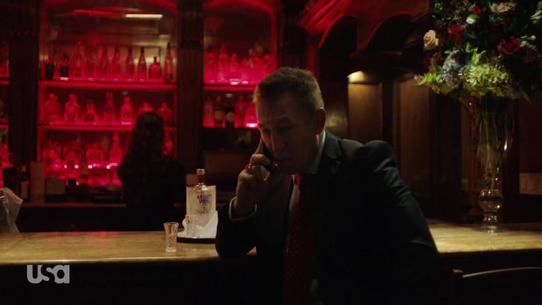 Absolut Vodka Enjoyed by Pasha D. Lychnikoff as Konstantin in Queen of the South S05E09 A Prueba de Balas (2021)