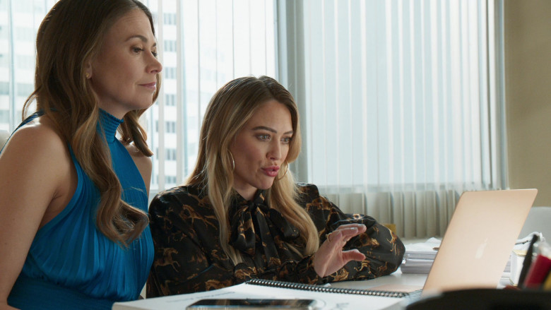 Apple MacBook Laptop Used by Hilary Duff as Kelsey Peters in Younger S07E11 Make No Mustique (2021)