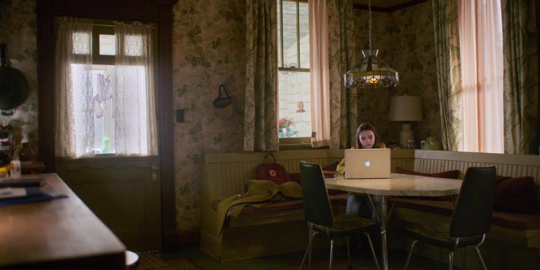Apple MacBook Laptop of Brooklynn Prince as Hilde Lisko in Home Before Dark S02E01 Not Giving Up (2021)