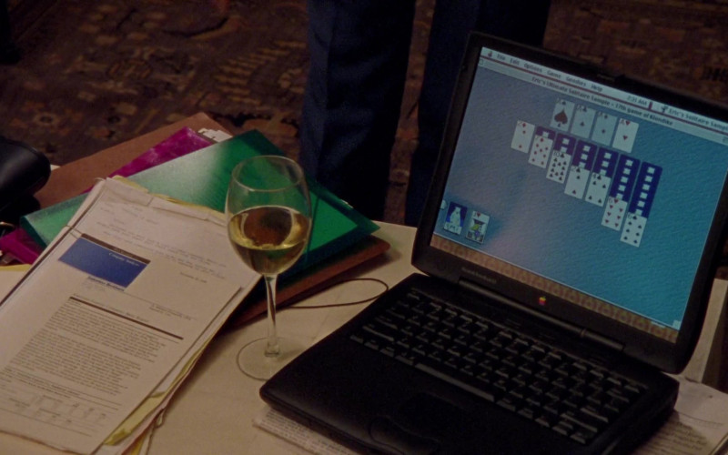 Apple Macintosh PowerBook Laptop of Cynthia Nixon as Miranda Hobbes in Sex and the City S02E13 Games People Play (1999)