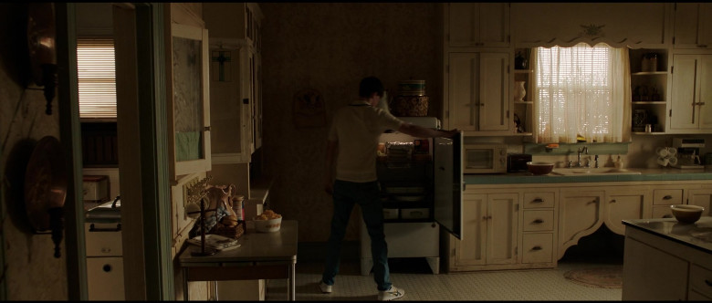 Asics Onitsuka Tiger Sneakers in The Conjuring The Devil Made Me Do It (2)