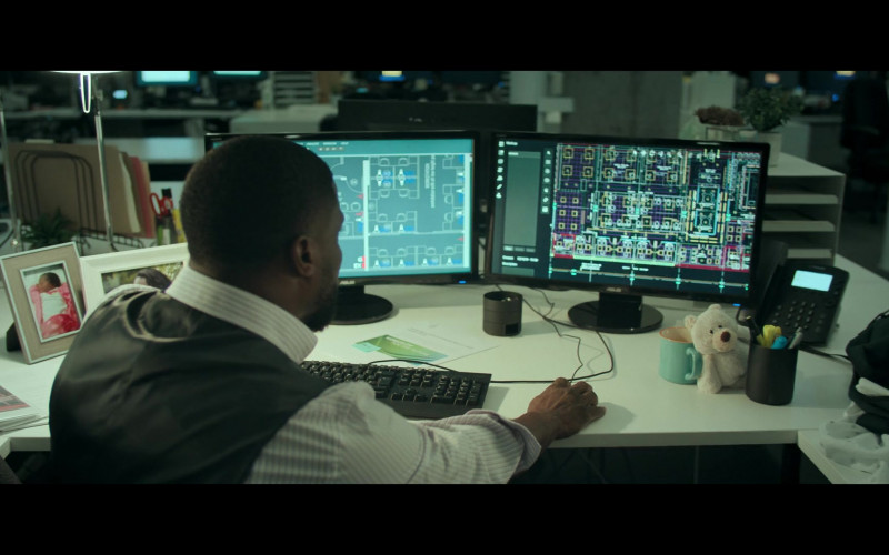 Asus Computer Monitors Used by Kevin Hart as Matthew Logelin in Fatherhood (2021)