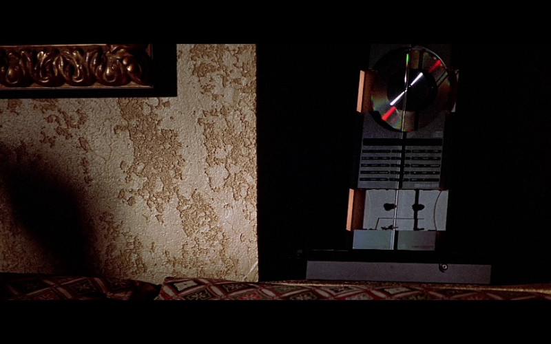 Bang & Olufsen Stereo in The Sum of All Fears (2002)