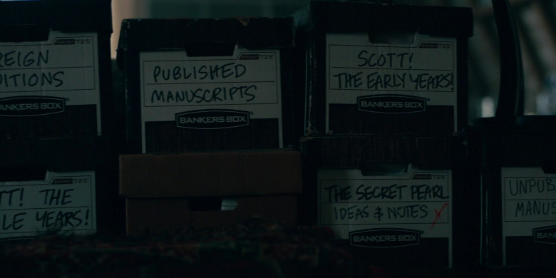 Bankers Boxes in Lisey's Story S01E01 Bool Hunt (2)