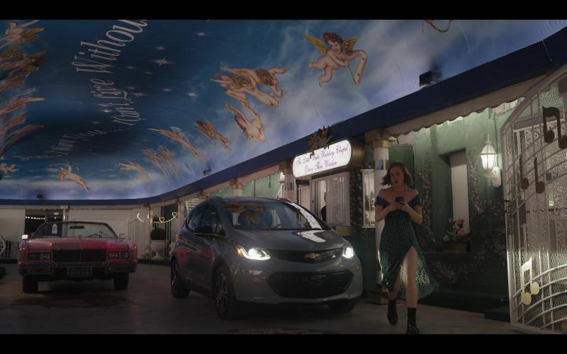 Chevrolet Bolt Car in Hacks S01E07 Tunnel of Love (3)