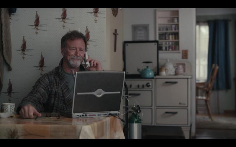 Dell Laptop in Hacks S01E08 1.69 Million (2021)