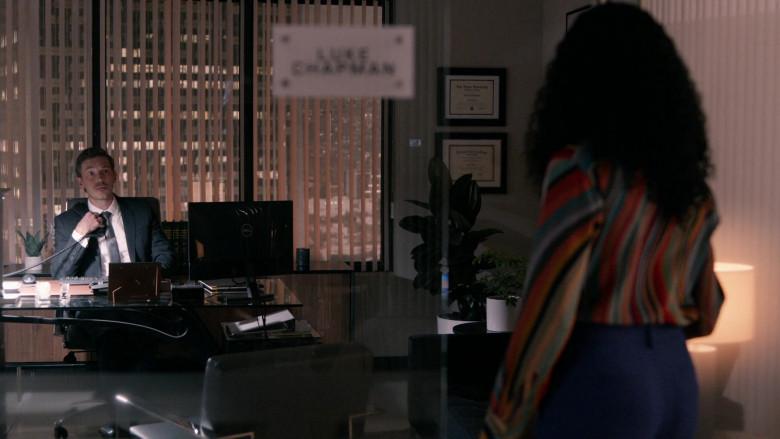 Dell PC Monitors in Rebel S01E08 (2)