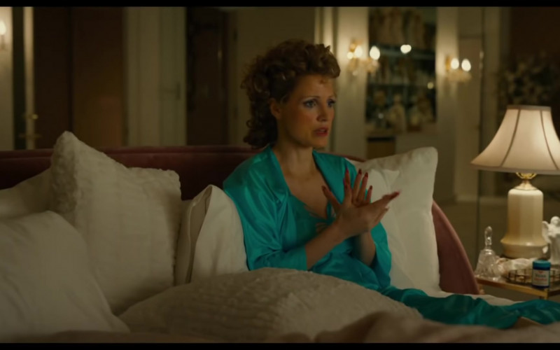 Diet Coke Enjoyed by Jessica Chastain as Tammy Faye Bakker in The Eyes of Tammy Faye (2021)