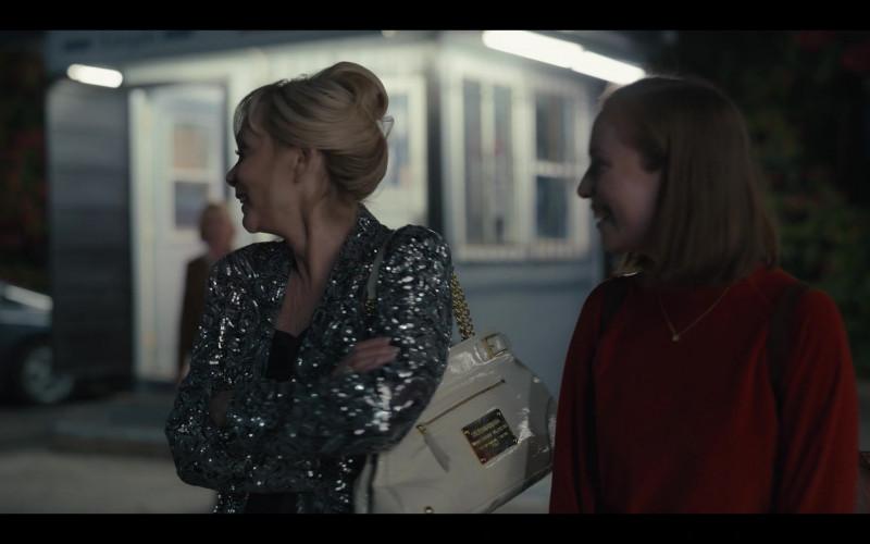 Dolce & Gabbana White Handbag of Jean Smart as Deborah Vance in Hacks S01E08 1.69 Million (2021)