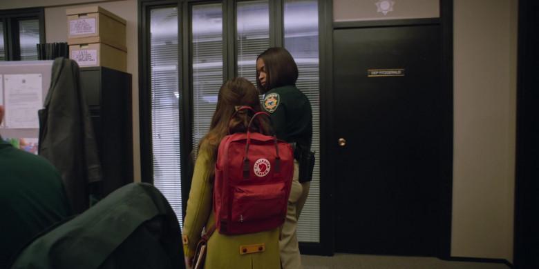 Fjallraven Kanken School Backpack of Brooklynn Prince as Hilde Lisko in Home Before Dark S02E01 (2)
