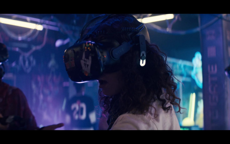 HTC Vive Virtual Reality Headset in Sweet Tooth S01E03 Weird Deer St (2021)
