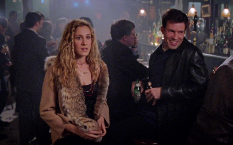 Heineken Beer Bottle in Sex and the City S02E01 Take Me Out to the Ballgame (1999)