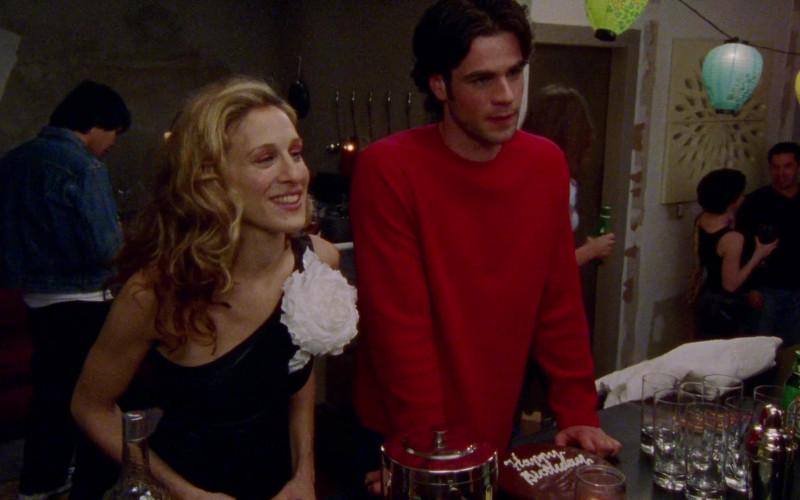 Heineken Beer in Sex and the City S03E04 Boy, Girl, Boy, Girl… (2000)
