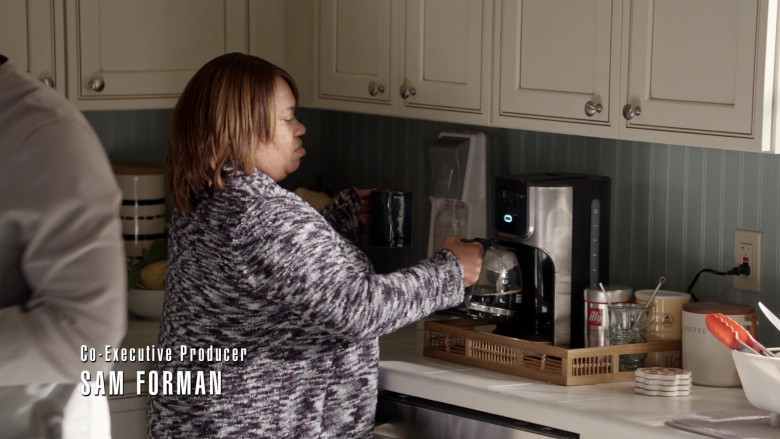Illy Coffee in Station 19 S04E16 (2)