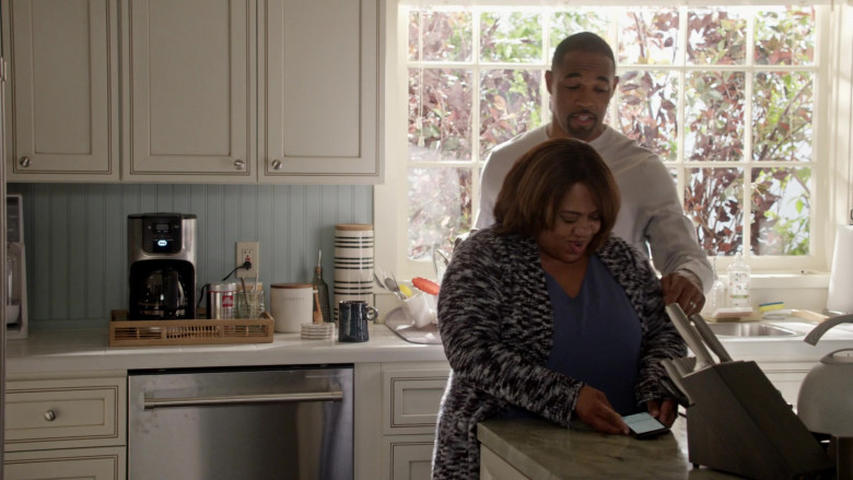 Illy Coffee in Station 19 S04E16 (3)