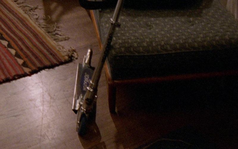 JD Razor Scooter in Sex and the City S03E15 Hot Child in the City (2000)