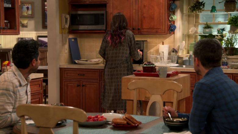 John Boos BoosBlock Prep Table with Butcher Block Top in United States of Al S01E10 TV Show (1)