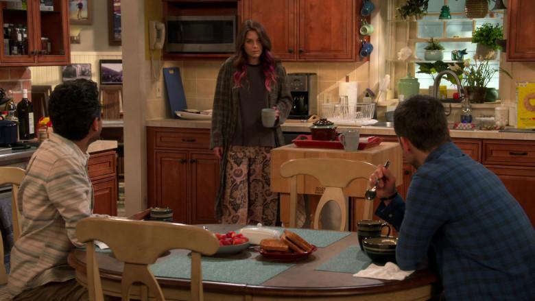 John Boos BoosBlock Prep Table with Butcher Block Top in United States of Al S01E10 TV Show (2)