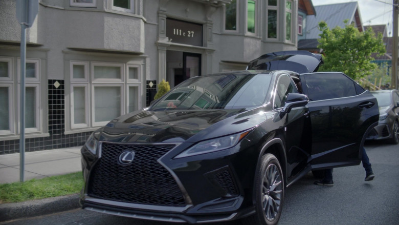 Lexus RX Mid-Size Luxury Crossover SUV of Romany Malco as Rome Howard in A Million Little Things S03E17 TV Series 2021 (1)
