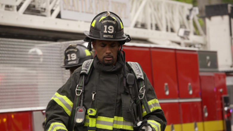 MSA Safety SCBA Self Contained Breathing Apparatus in Station 19 S04E16 Forever and Ever, Amen (3)