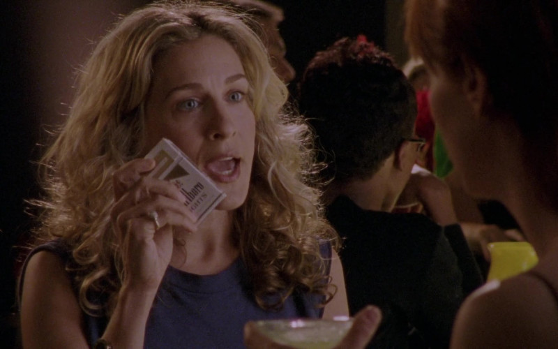 Marlboro Lights Cigarettes of Sarah Jessica Parker as Carrie Bradshaw in Sex and the City S03E11 Running with Scissors (2000)