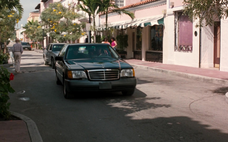 Mercedes-Benz S-Class Car in The Specialist (1994)