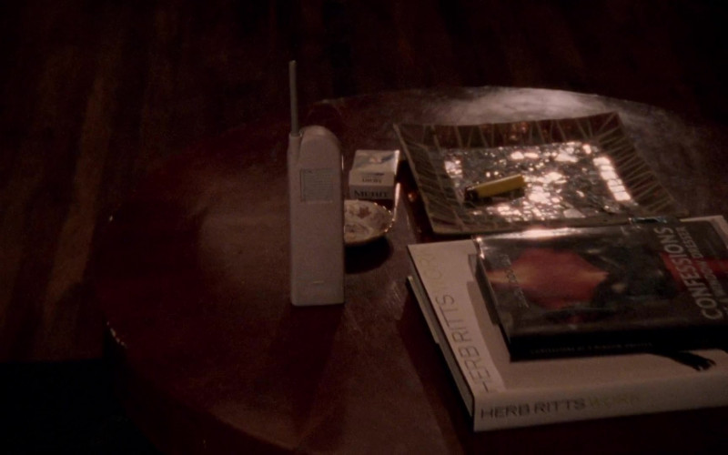 Merit Cigarettes of Sarah Jessica Parker as Carrie Bradshaw in Sex and the City S02E02 The Awful Truth (1999)