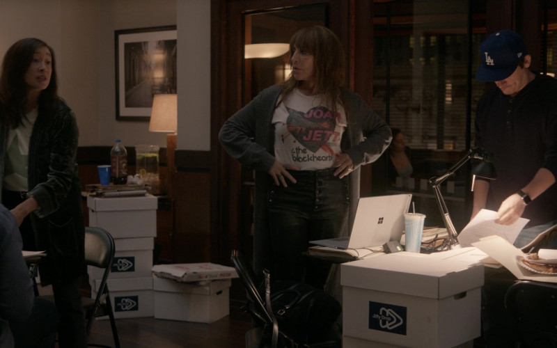 Microsoft Surface Laptop Used by Katey Sagal as Annie Bello in Rebel S01E10 (1)
