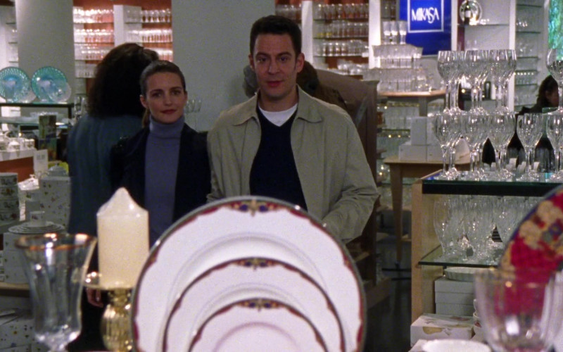 Mikasa Dinnerware and Drinkware in Sex and the City S01E03 Bay of Married Pigs (1998)