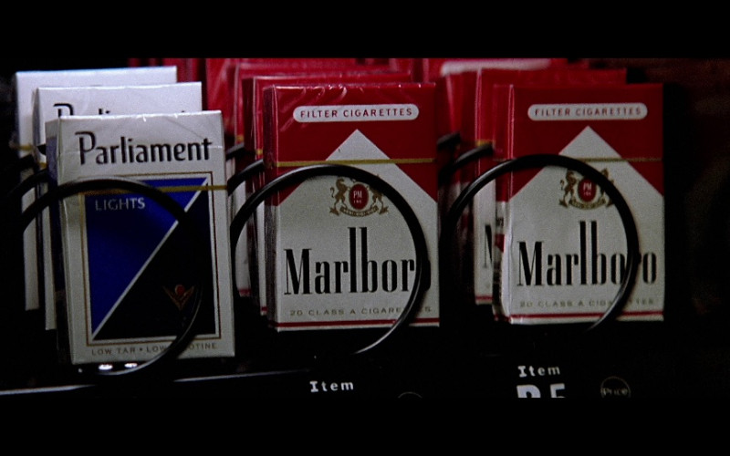 Parliament Lights & Marlboro Cigarettes in The Sum of All Fears (2002)