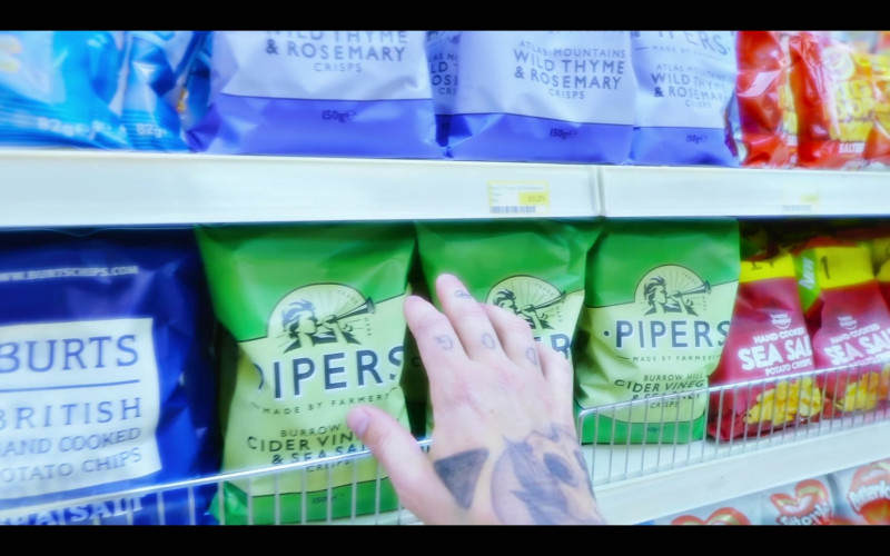 Pipers Burrow Hill Cider Vinegar & Sea Salt Crisps in The Girlfriend Experience S03E09 State of Mind (2021)