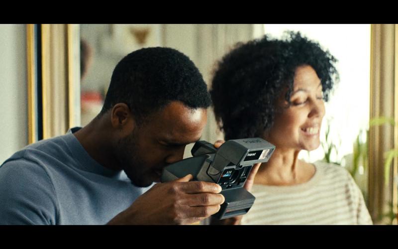 Polaroid Camera in Sweet Tooth S01E08 Big Man (2021)