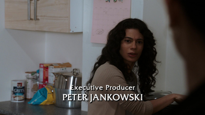 Quaker Oats Quaker Grits in Law & Order Special Victims Unit S22E16 Wolves in Sheep's Clothing (2021)
