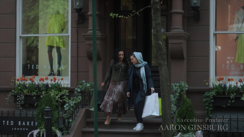 Ted Baker Luxury Clothing Store in New Amsterdam S03E14 Death Begins in Radiology (2021)