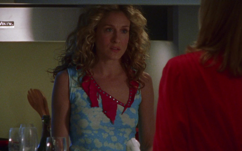Viking Range Wall Hood Used by Sarah Jessica Parker as Carrie Bradshaw in Sex and the City S03E10 All or Nothing (2000)